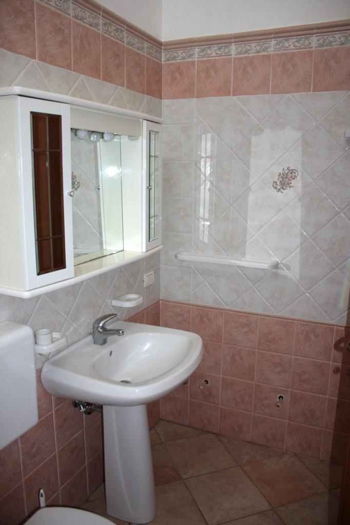 Appartamento m3 rosa salento insieme - Tende bagno moderno ...